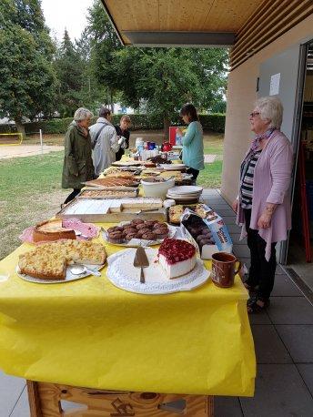 Sommerfest 2018: Das Kuchenbuffet kam gut an. Herzlichen Dank an die fleißigen Bäcker/Innen!
