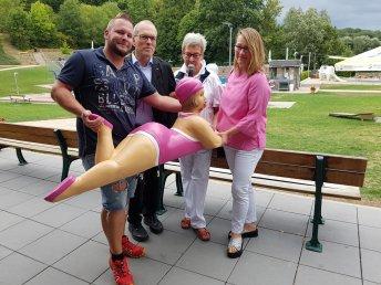 """Happy End: Ehepaar Ullrich spendete dem Förderverein eine neue """"Anni"""", worüber wir alle sehr gerührt und dankbar sind!"""
